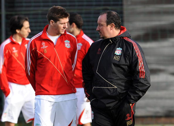 LIVERPOOL, ENGLAND - DECEMBER 08:  (THE SUN OUT) Manager of Liverpool Rafael Benitez chats with his captain Steven Gerrard during a Liverpool training session on December 8, 2009 in Liverpool, England.  (Photo by John Powell/Liverpool FC via Getty Images)