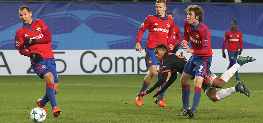 MOSCOW, RUSSIA - OCTOBER 21:  Anthony Martial of Manchester United scores his team's first goal during the UEFA Champions League Group B match between CSKA Moskva and Manchester United at Arena Khimki on October 21, 2015 in Moscow, Russia.  (Photo by John Peters/Man Utd via Getty Images)